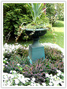 Garden with urn at Raynham Hall